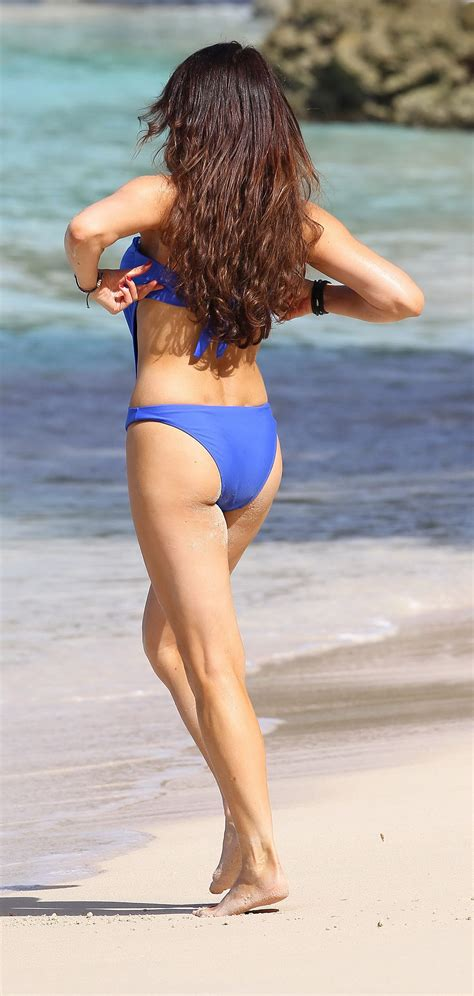 Lizzie Cundy Wearing Skimpy Blue Swimsuit At The Beach In Barbados