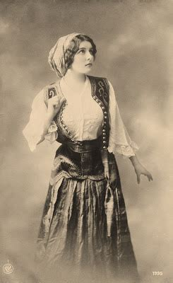 photo pretty young gypsy woman costume
