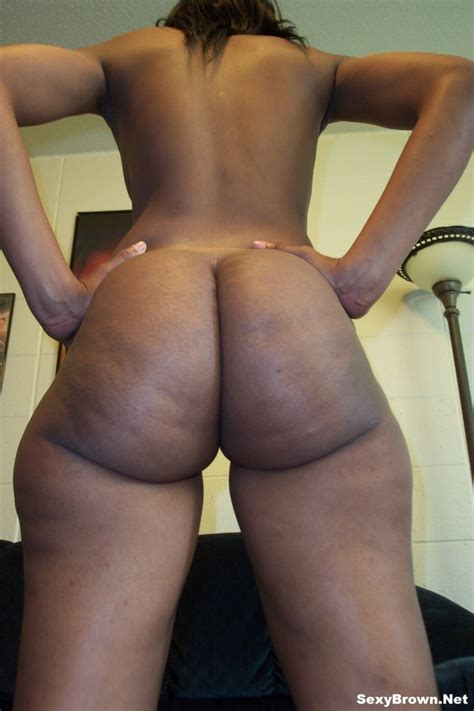 Sexy Brown Shows Off Her Perfect Naked Butt Photo Album