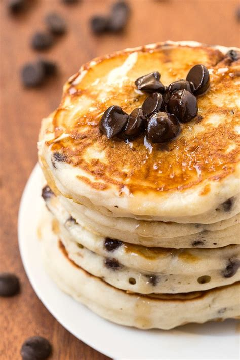 chocolate chip pancakes healthy fluffy low carb chocolate chip pancakes