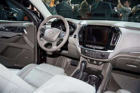 chevrolet traverse whats  gm authority