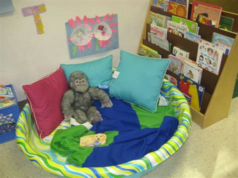 toddler cozy reading spot raleigh court presbyterian 406 | 05147cea259b7d1dc3f257a36e6a96e4