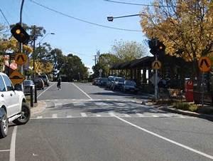 Raised pedestrian or 'Wombat' crossing | Download ...