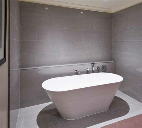 600x300 lounge light grey matt branded tiles