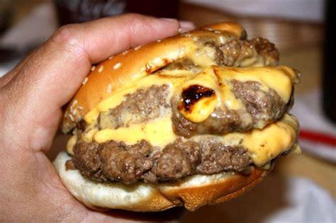 New Buffalo, Mi Bite Into A Legendary Burger At Redamak's