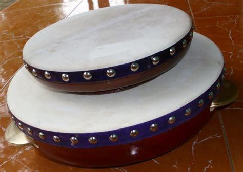 10 alat musik tradisional beserta asalnya.alat musik tradisional merupakan salah satu bentuk keragaman budaya indonesia. Contoh Alat Musik Ritmis Tradisional dan Modern yang Wajib ...