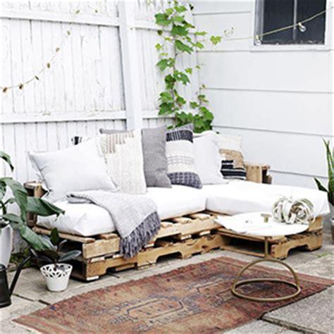 faire un canapé en palette comment faire un canapé en palette le tuto diy
