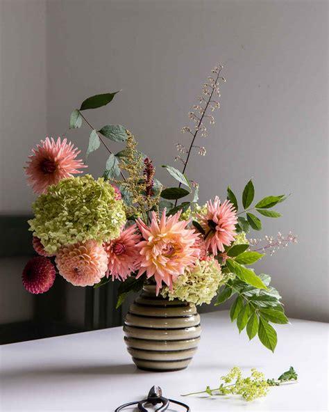dahlia flower arrangements 5 easy flower arrangement ideas with dahlias cloverhome