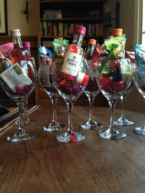 Party Room Ideas 25 Best Ideas About Hotel Bachelorette Party On Pinterest  Fall Home Decor
