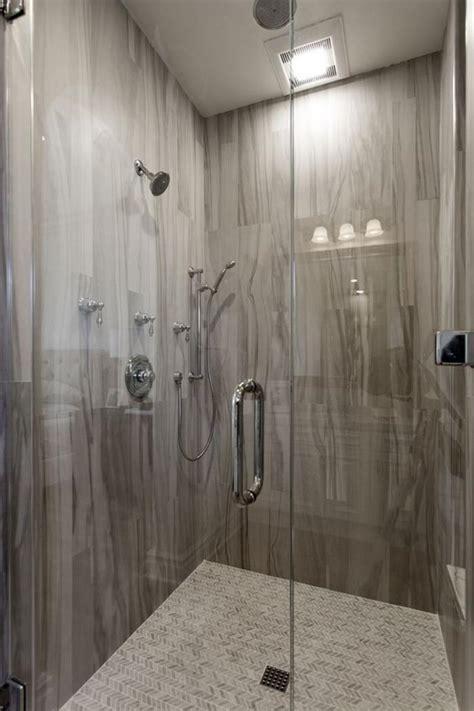 carrelage salle de bain gedimat le carrelage imitation bois en 46 photos inspirantes archzine fr