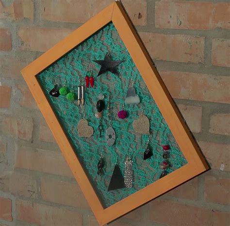 Cornice Porta Orecchini Cornice Porta Orecchini Con Tinta All Acqua Verde