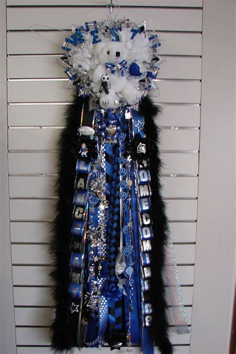 football mums homecoming mums a texas tradition homecoming ideas pinterest homecoming mums