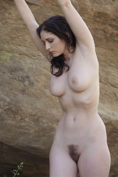 Classic Hourglass Look Hairy Pussy Luscious