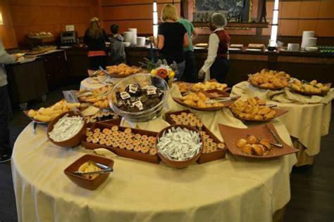 chambre sequoia lodge petit déjeuner picture of disney 39 s hotel york