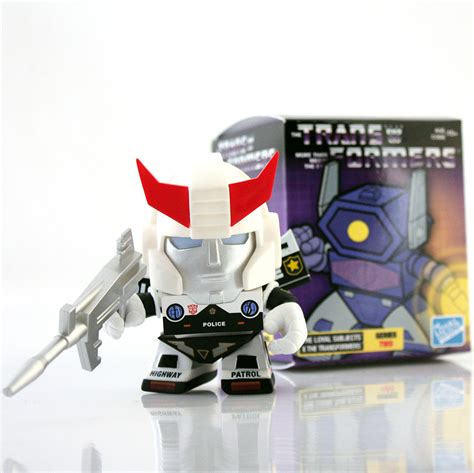 transformers series  action vinyls  loyal subjects