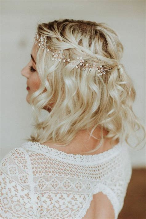 hairstyle tresses coiffure mariage cheveux court carr 233 blond wavy coiffure mariage tresse