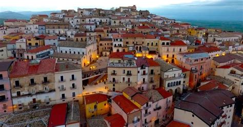 candela comune candela in southern italy is paying to move into town