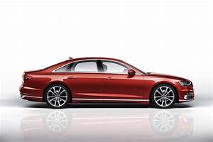 Audi A : all new 2018 audi a8 arrives with new design autonomous tech autotribute ~ Gottalentnigeria.com Avis de Voitures