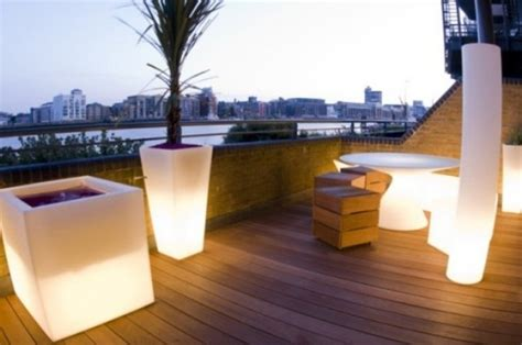 Teak Lounge Chairs by 75 Inspiring Rooftop Terrace Design Ideas Digsdigs