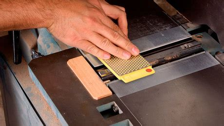 video   sharpen jointer knives finewoodworking