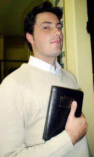 Danilo Gentili diz que Igreja e humor salvaram sua vida ...