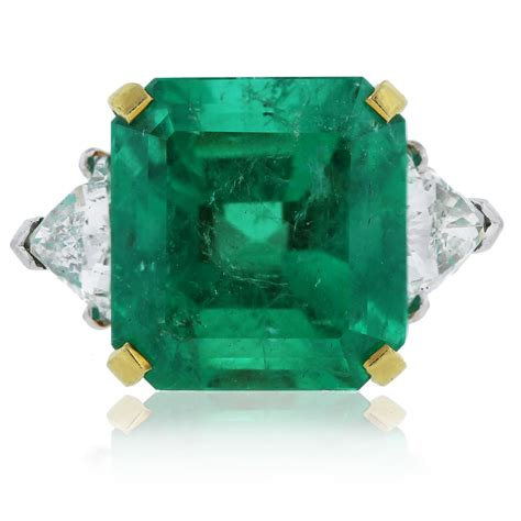 bvlgari ring platinum 18k gold emerald cut emerald trillion cut