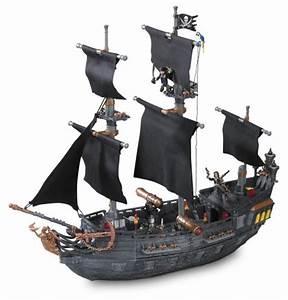 Mega Bloks Pirates of the Caribbean Black Pearl Ship ...