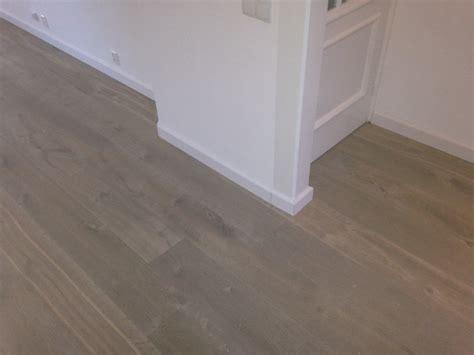 houten vloer gratis af te