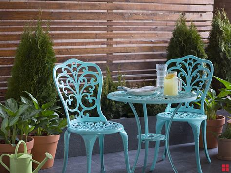 Porch Table And Chairs by Refinish An Outdoor Bistro Table With Stops Rust