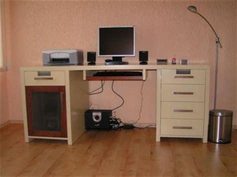 bureau ordinateur moderne bureau informatique ordinateur moderne mobilier