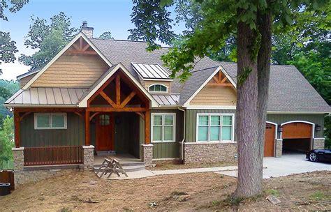 rugged craftsman home   sloping lot lv