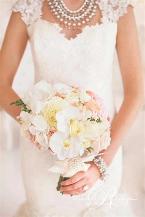 stunning wedding bouquets part  belle  magazine