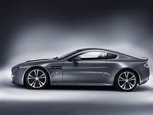 Aston Martin V12 Vanquish : aston martin v12 vantage carincarwallapers ~ Medecine-chirurgie-esthetiques.com Avis de Voitures