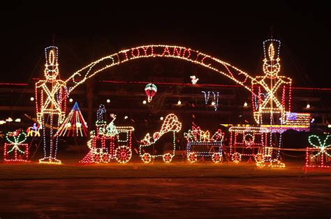 local families miss del mar s holiday of lights display