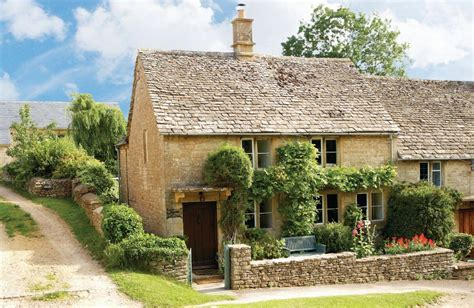 cottage cotswolds cottage in windrush near burford cotswolds