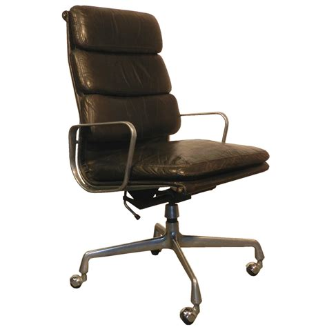 and charles eames desk chair with soft pads modernism