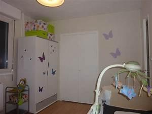 Chambre chambre parme et blanc 1000 idees sur la for Canapé convertible scandinave pour noël decoration chambre bebe fille originale
