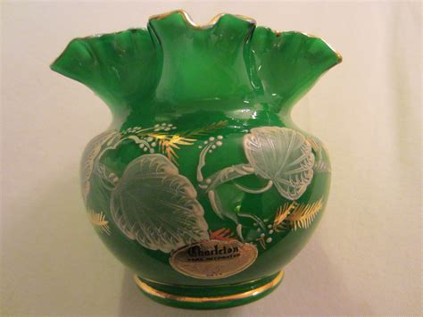 Charleton Hand Decorated by Charleton Hand Decorated Green Ruffle Glass Vase For Sale