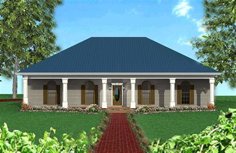 classic southern   hip roof dh architectural designs house plans