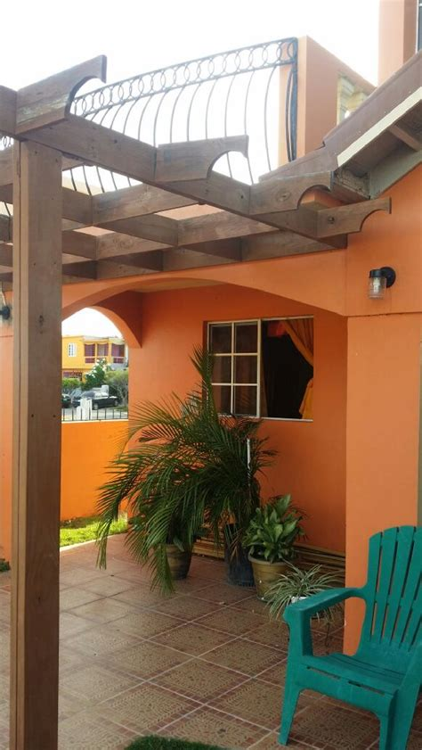 beautiful  bedroom house  sale  portmore st