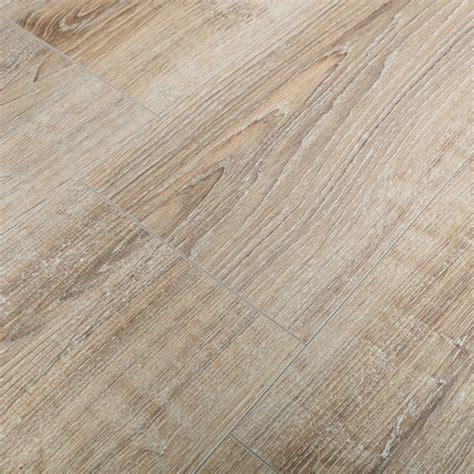 Lime Washed Oak Laminate Flooring   Carpet Vidalondon