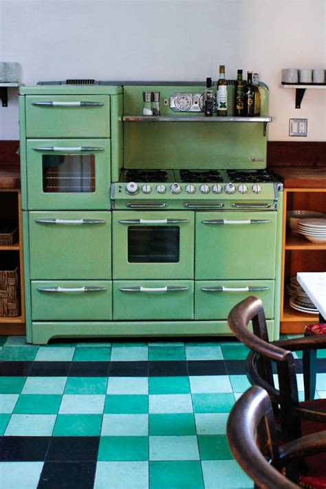 green kitchen backsplash nate berkus jeremiah brent 39 s bungalow