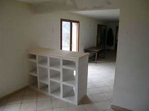 Etagere en briques platrieres de amenagement interieur de for Meuble carreau de platre