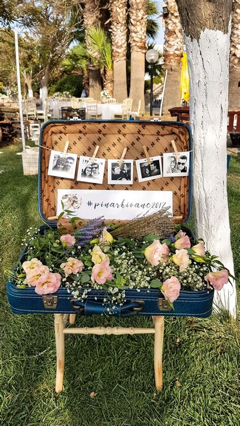 Diy Wedding Decor With Vintage Luggage Diy Wedding