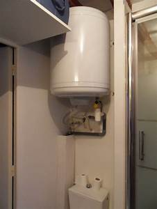 Comment Cacher Un Wc Dans Une Salle De Bain : cacher les tuyaux luminaire salle de bain page 2 ~ Melissatoandfro.com Idées de Décoration