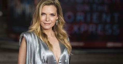 michelle pfeiffer hield van catwoman entertainment telegraafnl