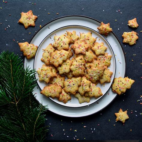 I adore lemon meltaway cookies and have been making them for tea parties for years. Maltese Lemon Christmas Cookies Recipe on Food52