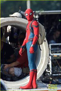 Tom Holland Wears  U0026 39 Spider