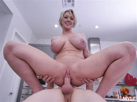 Milf Dee Williams With Big Natural Tits Has Sex In The