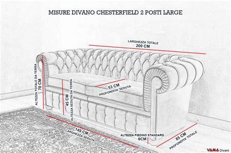 Divano 2 Posti Misure by Divano Chesterfield Large Vama Divani